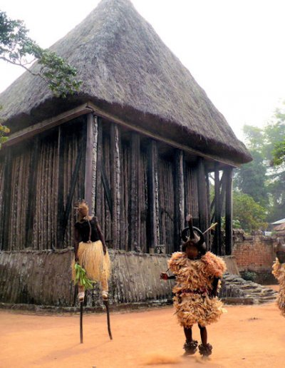 bafut_fon's palace_achum and performers