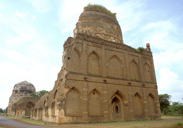 bidar_bahmani tombs