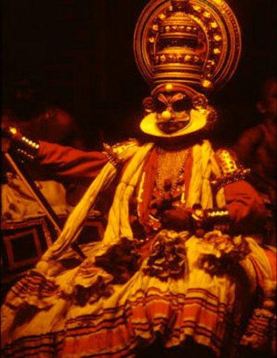 cochin_kathakali performer_2