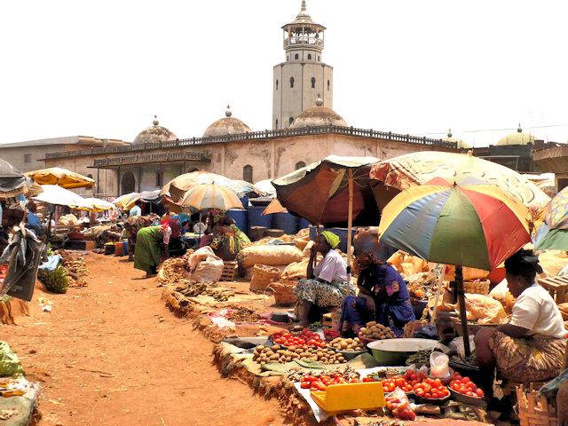 foumban_market and mosque