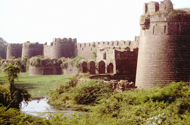 gulbarga_fortress wall