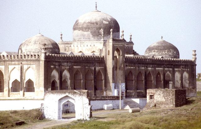 gulbarga_jami masjid