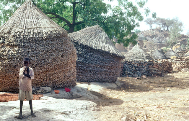 oudjilla_thatched-roof dwellings