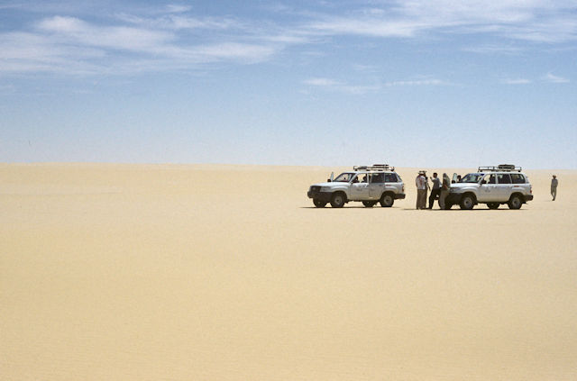 sand sea_auto caravan