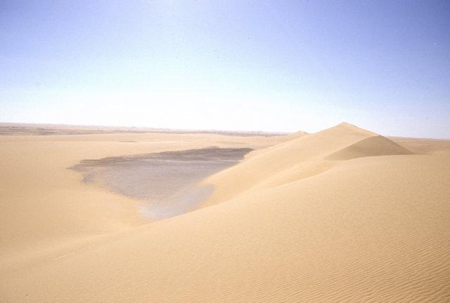 western desert_dune and mirage lake