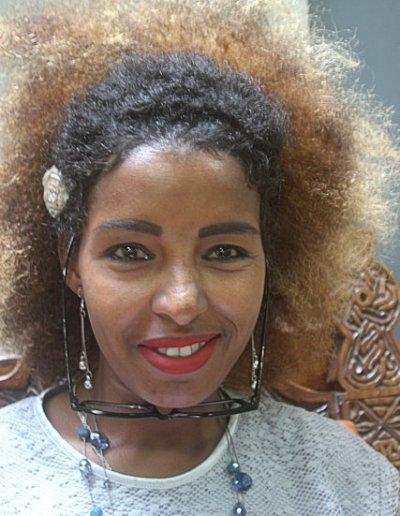 addis ababa_young woman