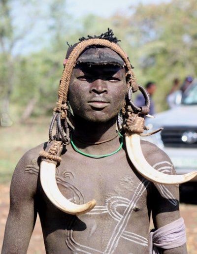 mago national park_mursi tribesman