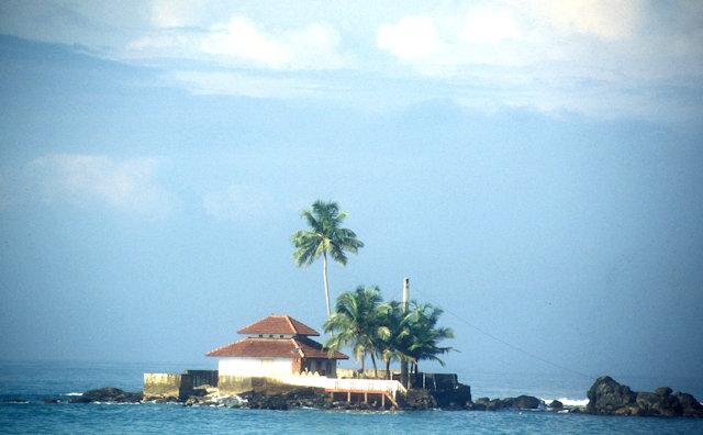 ambalangoda_seaside temple