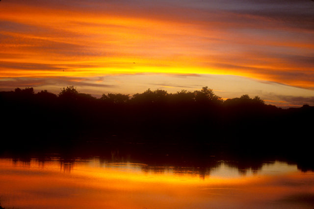 anuradhapura_lake at sunset