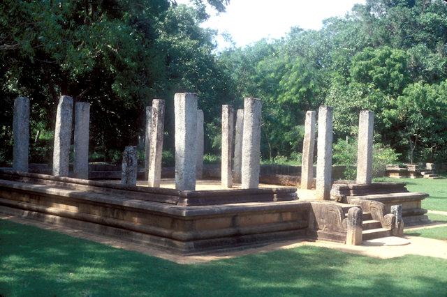 anuradhapura_ratna prasada_monastery complex