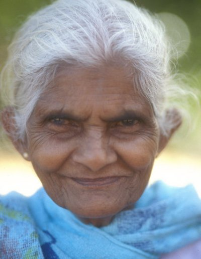 anuradhapura_sinhalese woman