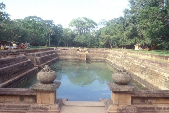 anuradhapura_twin pools