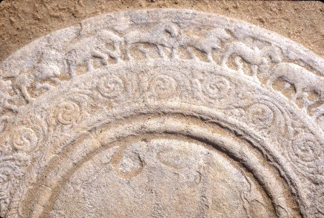 anuradhapura_vessagiriya ruins_moonstone
