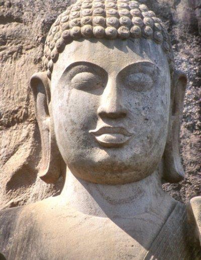 aukana_buddha statue_2