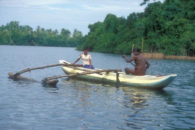 bentota_outrigger canoe