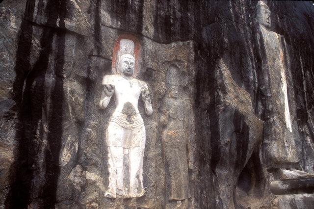 buduruvagala_monoliths