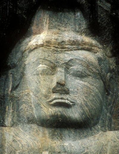 buduruvagala_monoliths_4