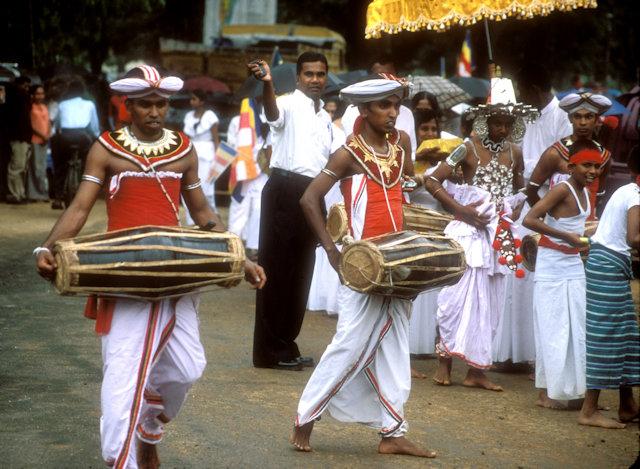 colombo_buddhist procession_2