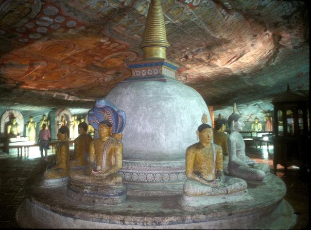 dambulla_cave temple_3