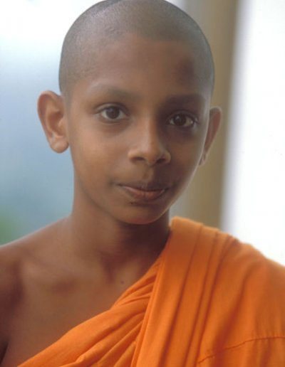 dambulla_young buddhist monk