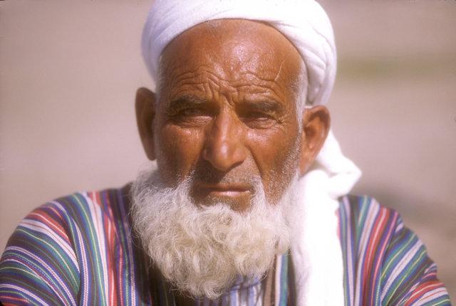 denau_uzbek elder