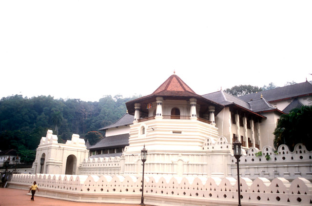 kandy_temple of the tooth