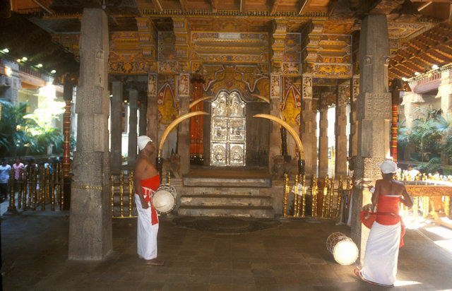 kandy_temple of the tooth_3