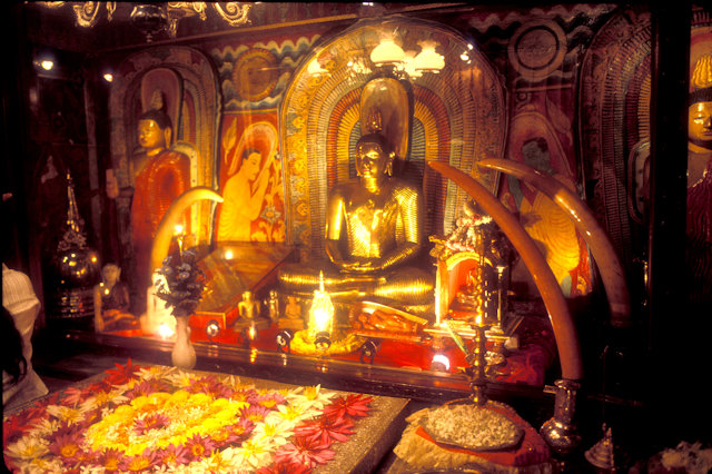 kandy_temple of the tooth_5