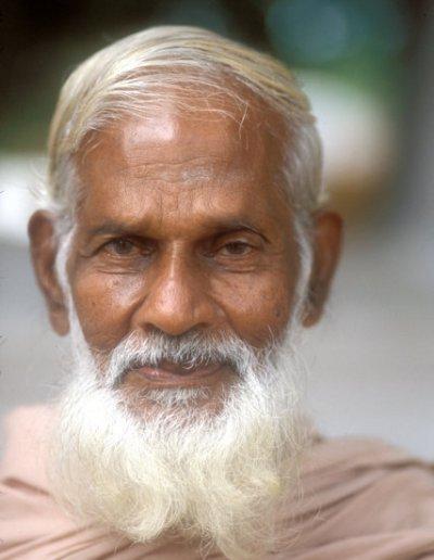 kataragama_tamil elder_2