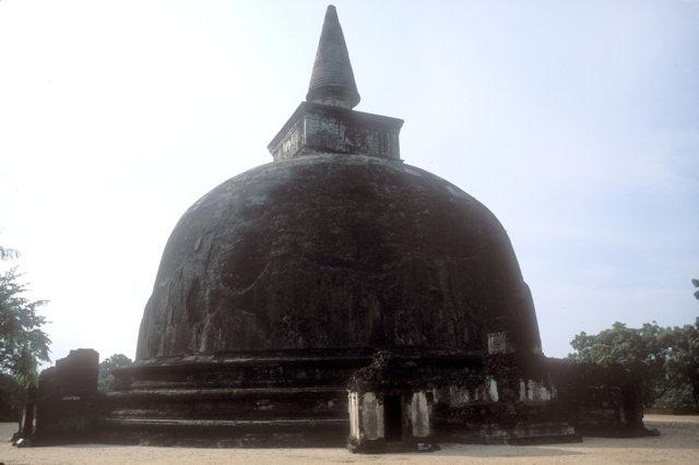 polonnaruwa_kiri vihara