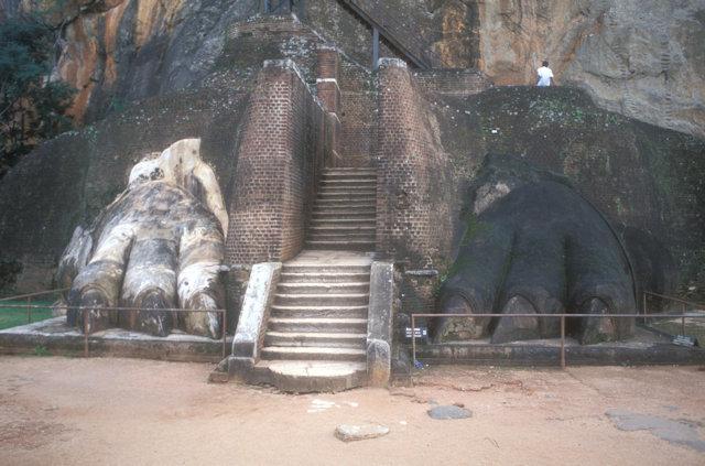 sigiriya_rock fortress_lion platform