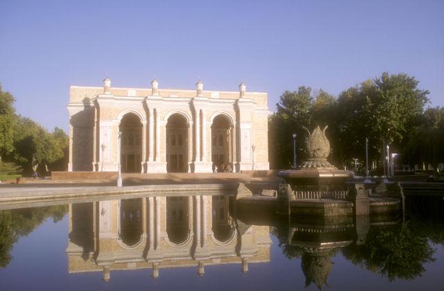 tashkent_alisher navoi opera theater