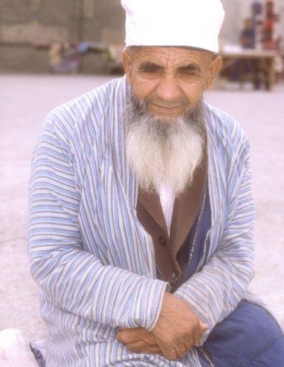 vabkent_uzbek elder