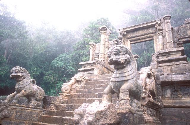 yapahuwa_staircase