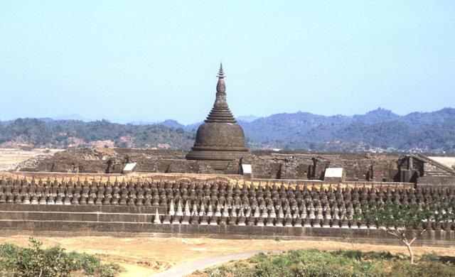 mrauk-u_koethaung temple