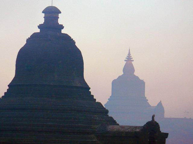 mrauk-u_nyidaw ceti and hilltop pagodas