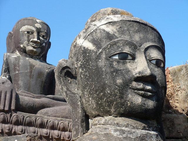 mrauk-u_pizi phara buddha images