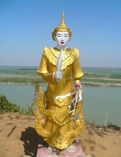 myanaung_gautama hill_buddha image