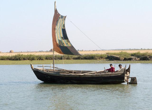 ponnagyun_boat on kaladan river