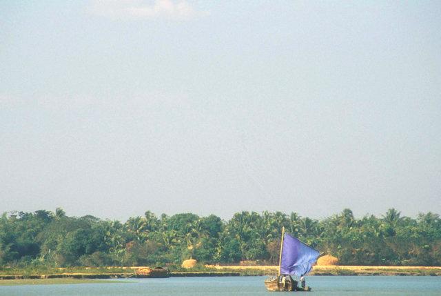 ponnagyun_boat on kaladan river_2