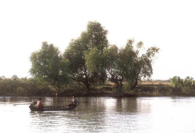 ponnagyun_kaladan river shoreline
