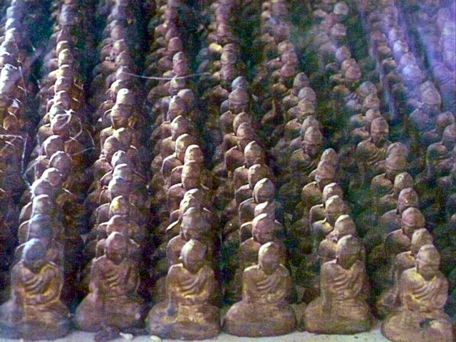 yando_80 arhat pagoda