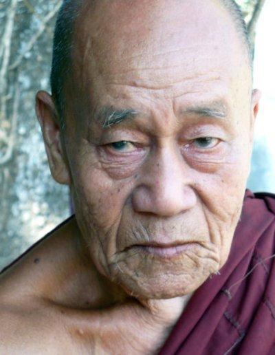 hpa-an_buddhist monk