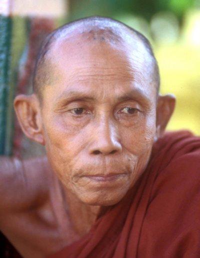 hpa-an_buddhist monk_2