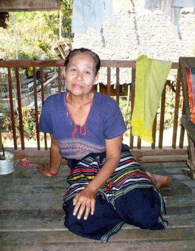 hpa-an_kayin woman
