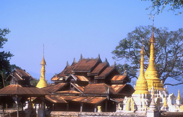 hsipaw_monastery complex