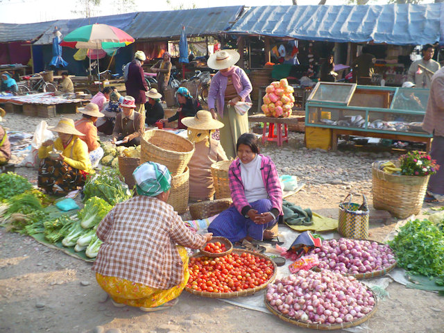 hsipaw_morning market