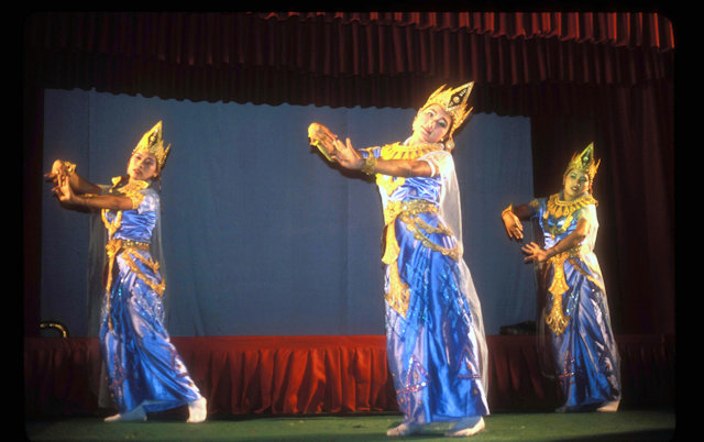 mandalay_classical dance performers