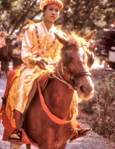 maymyo_buddhist procession_3