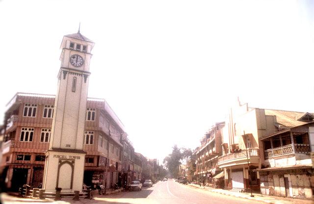maymyo_main street with clock tower